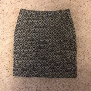 Gray and black print skirt
